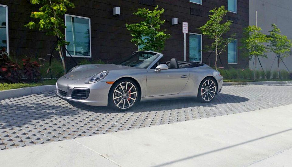 Porsche 911 Carrera 4S Rental in Orlando