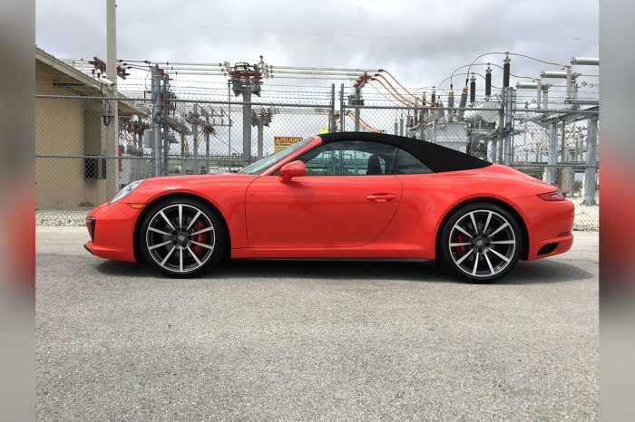 Porsche 911 Carrera 4S Rental in Orlando