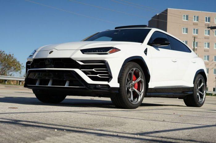 Lamborghini Urus Rental in Orlando
