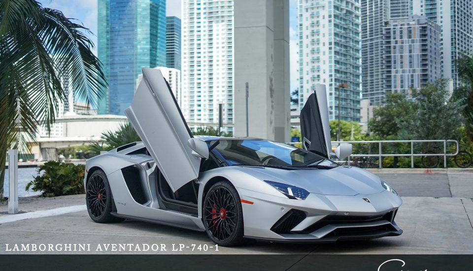 Lamborghini Aventador S Roadster Rental in Orlando